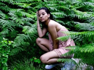 Allana Verde forest press photo