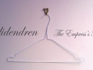 Roadidendren-The Empress's New Clothes